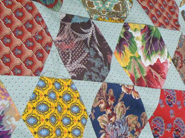 Material Obsession: Creative Women : large hexagon quilt - Adamdwight.com